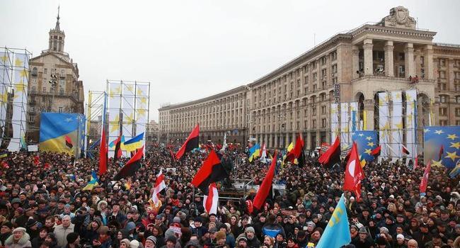 Блогер: если бы в 2014-м Майдан не перерос в войну украинцы президентом избрали бы Кличко, Яценюка, или Тимошенко