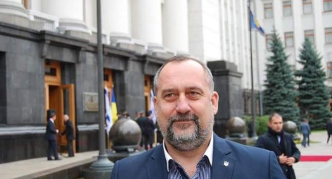Роман Давыденко: олигархи и Путин целенаправленно толкают Украину в хаос