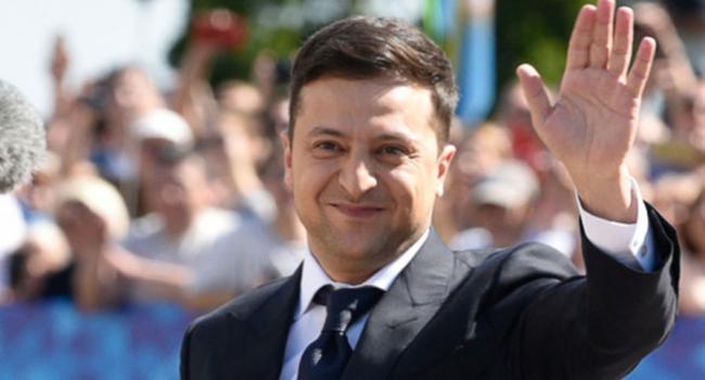 «Распустить Верховную Раду»: Блогер рассказал, как Зеленский может спасти свой рейтинг