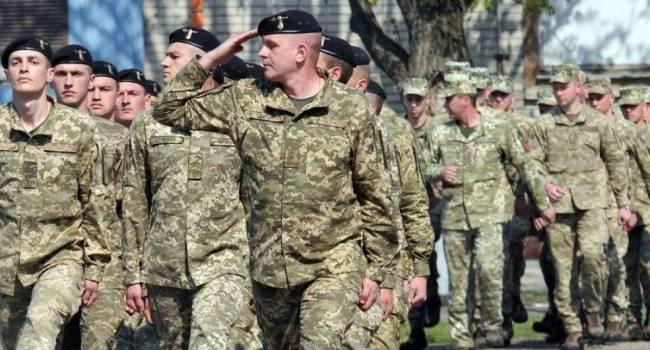 «Это работа на врага во время войны»: Мирослав Гай жестко раскритиковал инициативу главы Минобороны отменить призыв в армию