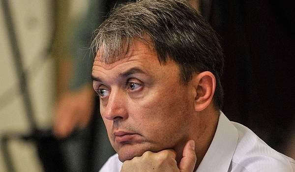 Ветеран АТО: президент Зеленський для збереження свого рейтингу готовий «злити» і Кабмін, і Верховну Раду
