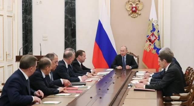 Срочное заседание Совбеза РФ: Путин внезапно заговорил о Донбассе