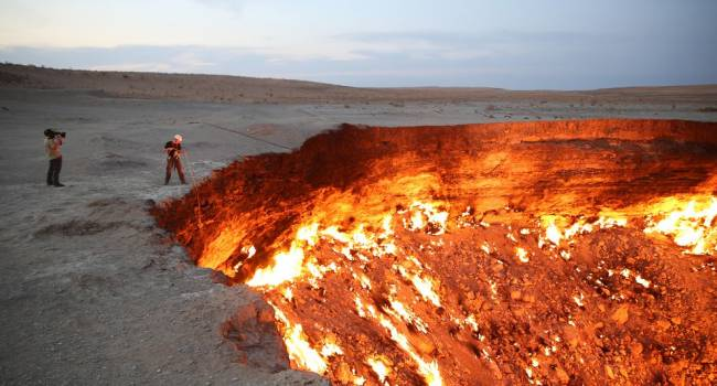 «Дверь в преисподнюю»: Специалисты рассказали о самом страшном месте в Туркменистане