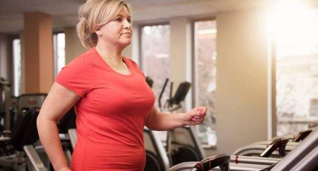 «Всё дело в возрасте?»: Специалисты рассказали, почему женщины после 40 лет начинают активно набирать лишний вес