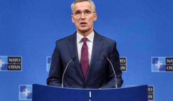 Столтенберг повторил слова Макрона об отсутствии опасности для НАТО со стороны РФ