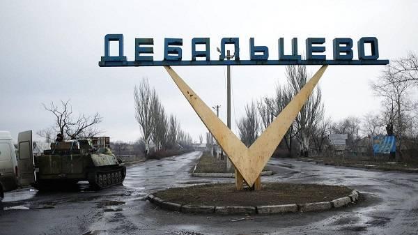 «Нас просто подвинут и сдадут»: боевики запаниковали из-за вывода российских войск из Дебальцево