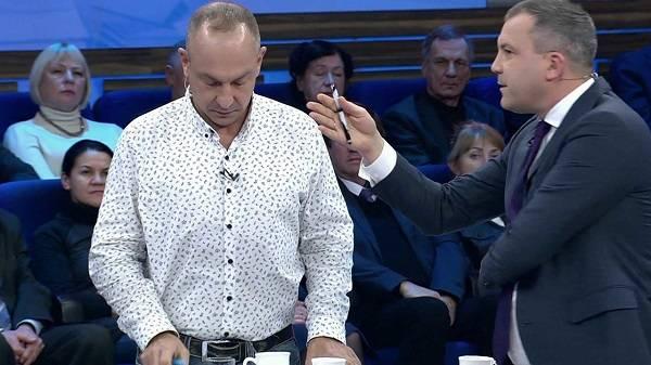 «Если я скажу два слова, начинают гавкать»: в России из ток-шоу выгнали украинского политолога