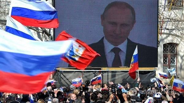 20 лет власти Путина в РФ: журналисты опубликовали знаковые фото деятельности главы Кремля