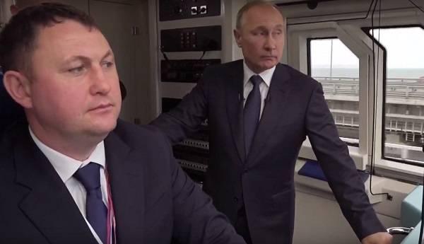 Глава Кремля Путин таки проехался в поезде через Крымский мост