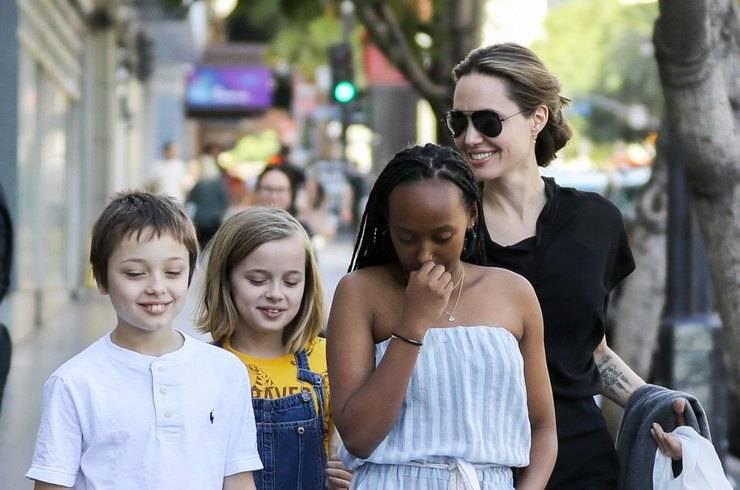 Повзрослевшая дочь-трансгендер Джоли и Питта повзрослела и поразила своей красотой