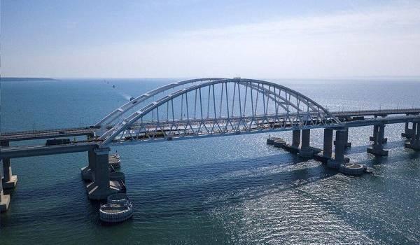 Оккупанты похвастались новым «достижением» Крымского моста: о чем идет речь