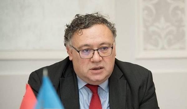 Посол заявил, что обучение на украинском языке венграм дается трудно