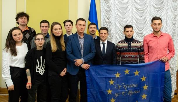 Состоялась встреча Зеленского с участниками Евромайдана
