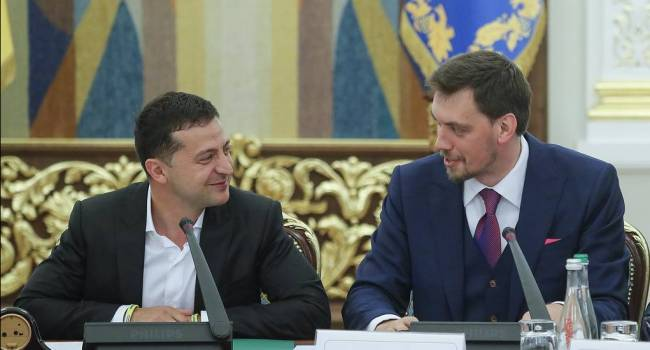 «В Кабмине начнутся отставки»: Политолог заявил, что Зеленский не даст разрушить свой рейтинг