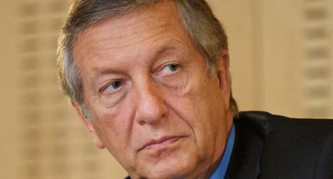 «Мало ли, что сказал Песков»: Российский оппозиционер советует Зеленскому поднимать вопрос Крыма всегда и везде, не оглядываясь на «шестерок Путина»