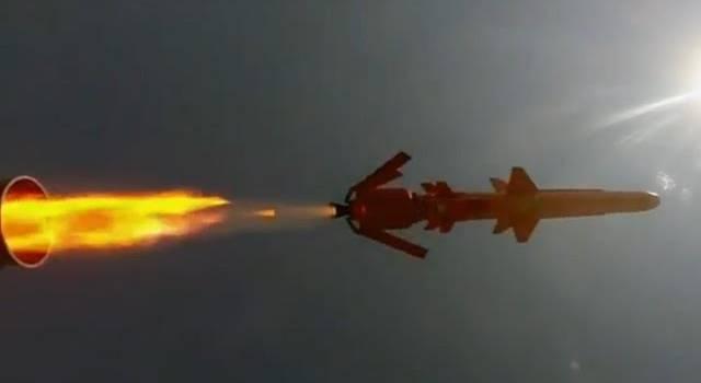 «Слава Украине!»: Военные ВСУ с истребителя сняли полет ракеты Р-360 комплекса «Нептун»