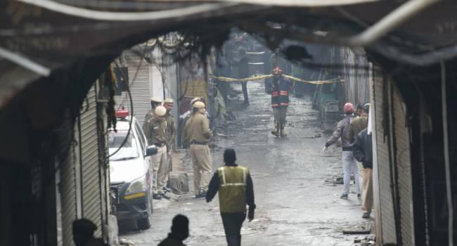 Пожар на фабрике в Индии унес жизни более 40 человек: последнее подробности