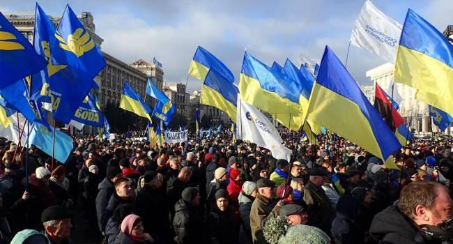 Журналист с Майдана: доживем до завтра и будем надеяться, что после завтрашних новостей не придется собираться снова – уже с другой целью