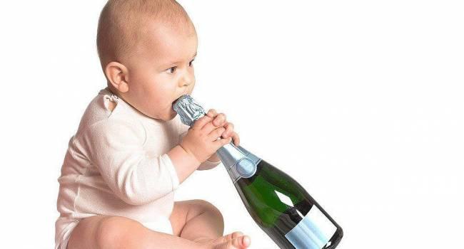 «Празднования по-взрослому»: Психологи выступают против использования детского шампанского