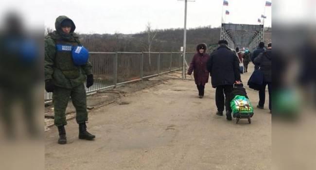 В Станице Луганской находяться члены НВФ с несуществующими повязками СЦКК – штаб ООС