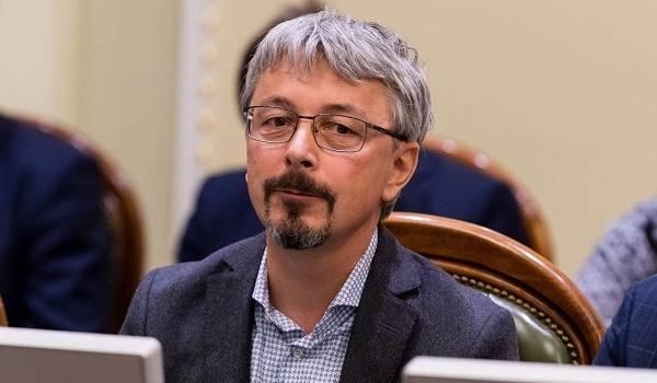 В партии Зеленского прокомментировали скандальную инициативу Бужанского об отмене языкового закона
