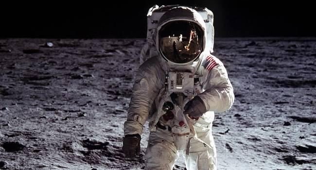 СССР должен был быть первым, кто высадил своего космонавта на Луну: историк рассказал, что стало помехой
