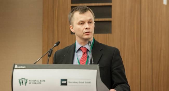 «Это слишком много»: Милованов заявил, что у продавцов бензина А-95 маржа за год увеличилась с 8 до 21 процента