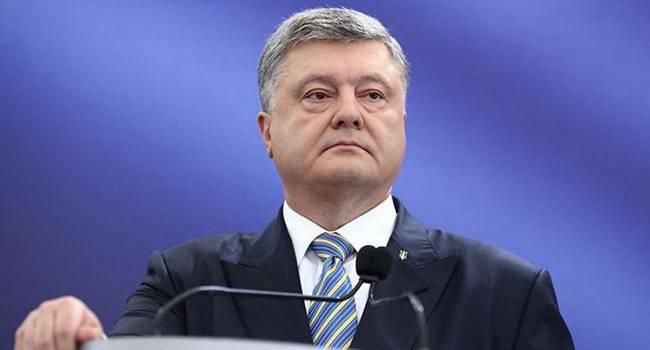 Порошенко сегодня ведет себя так, будто в последние годы его правления наметился реальный прогресс в деле возвращения Донбасса - мнение