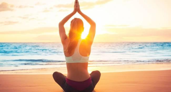 В трезвом уме до самой старости: ученые рассказали о пользе йоги
