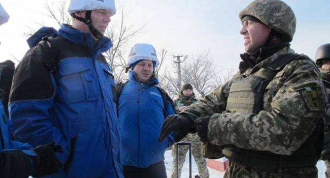 Члены НВФ перекрывают доступ представителям СЦКК на территорию ОРДЛО