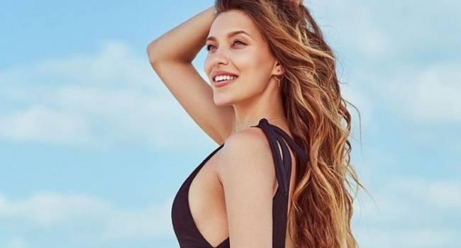 «Мама Регина в прекрасной форме»: Тодоренко в купальнике занялась йогой, взбудоражив сеть