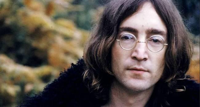 Неизвестный покупатель отдал рекордную сумму за очки Джона Леннона
