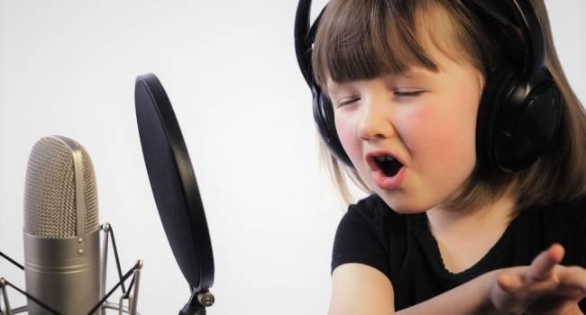 «Пойте на здоровье»: Ученые доказали, что занятия музыкой благоприятно влияют на развитие детского мозга
