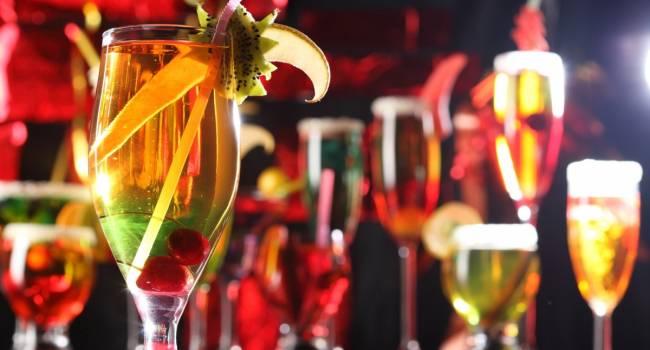 Продукт большой опасности: диетолог рассказала, как выбрать напитки на Новый год