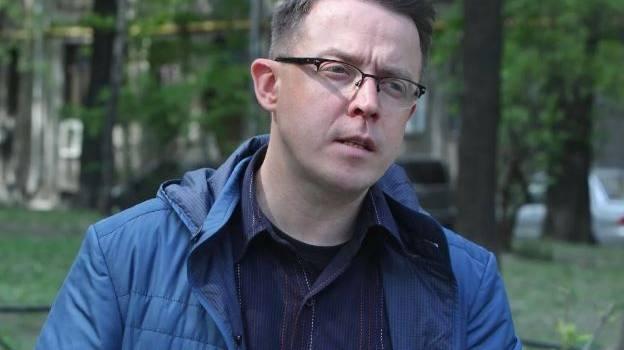 «Никто просто не знает, как решать проблемы»: журналист объяснил, почему украинцы продолжают слушать Соколовых и Дроздовых