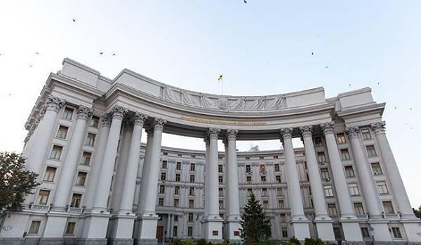 В МИД опровергли слухи о привлечении к переговорам в «нормандском формате» «Л/ДНР»