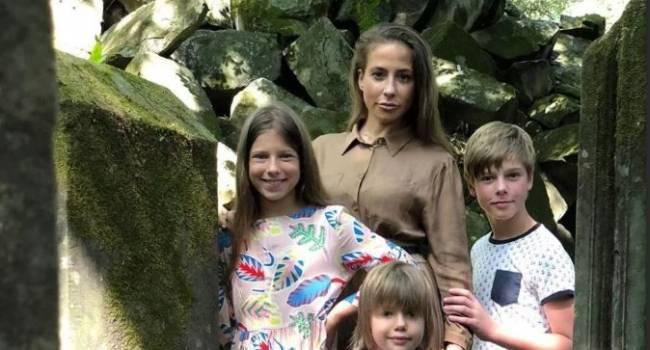 «Аршавиным тут и не пахнет»: подросшая дочка Барановской стала копией своей мамы