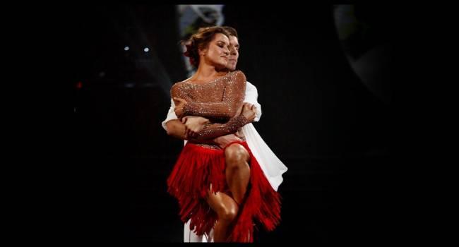 «Красивая, молодая женщина, которая даст фору всем»: Наталья Могилевская покорила сеть своими роскошными накаченными ногами в красивом наряде