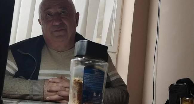 «Выходят и бе-бе-бе... Пусть эта сволочь идет и стреляет в АТО»: Отец Зеленского жестко прошелся по активистам, протестующим под Офисом президента
