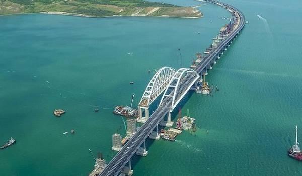 Россияне достроили железнодорожную часть Крымского моста