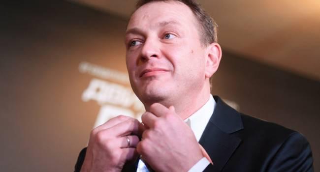 «Был в аннексированной Ялте»: активисты пикетируют спектакль с Маратом Башаровым в Харькове
