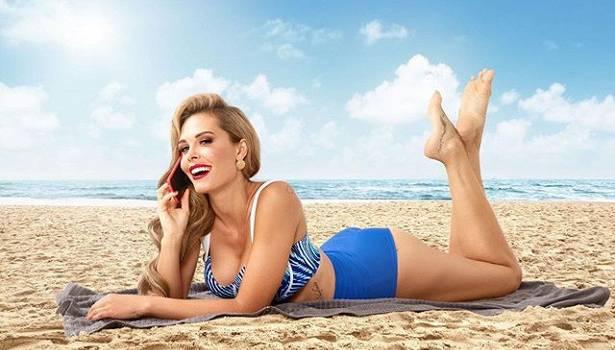 «Господи, какая же вы нереально красивая!» Запрещенная СБУ российская актриса сразила наповал своей внешностью