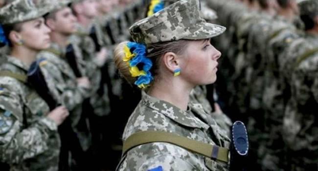 «И в горящую избу...»: Число военных женщин в мире стремительно растет