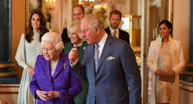 Капуста, пудинг и картошка: бывший повар Елизаветы II рассказал о рождественском меню королевской семьи