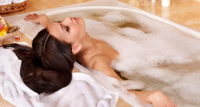 Похудеть и продлить жизнь: эксперты рассказали о пользе горячих ванн