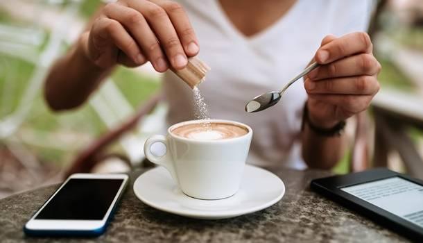 Диетологи рассказали, как кофе помогает в преодолении ожирения