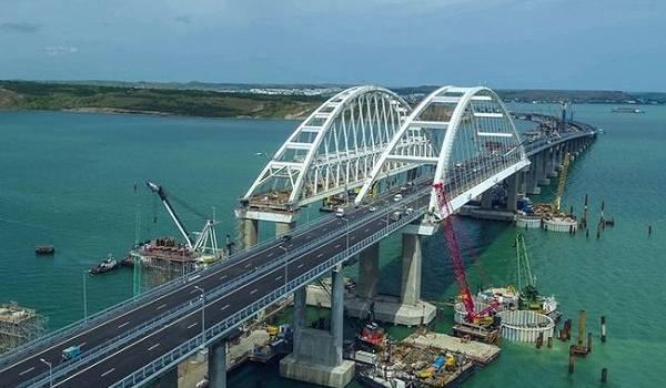 В России заявили об окончании строительства Крымского моста