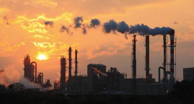 Экономика в пике: промышленное производство впервые упало на 7.5%