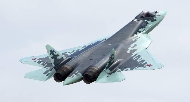 В России во время полета современный истребитель «Су-57» превратился в груду металла
