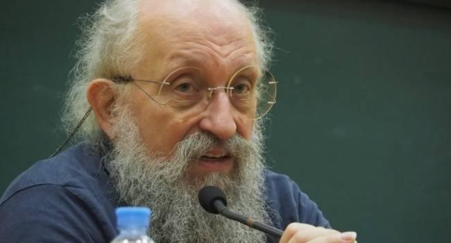 «Сломанными руками нельзя собирать выбитые зубы»: Вассерман заявил о подготовке НАТО к войне